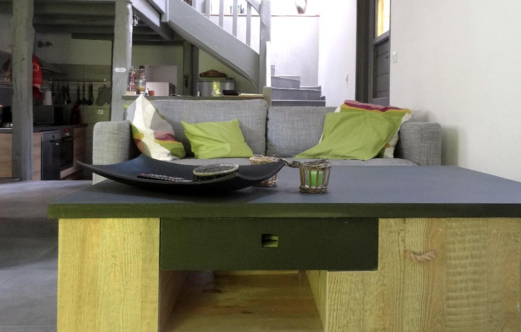 Yvoire Lac Léman meublé salon séjour